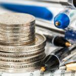 介護職員初任者研修の費用相場やスクール別費用|助成金・給付金についても解説