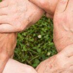 ソーシャルワーカーに資格は必要?|働き方によって持っておくべき資格は異なる