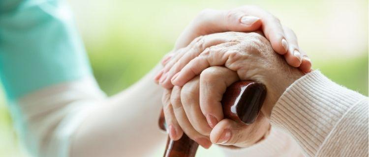 小規模多機能型居宅介護を利用するメリット・デメリット