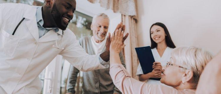 小規模多機能型居宅介護との違い