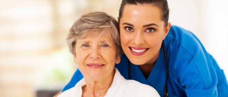 介護背社員資格